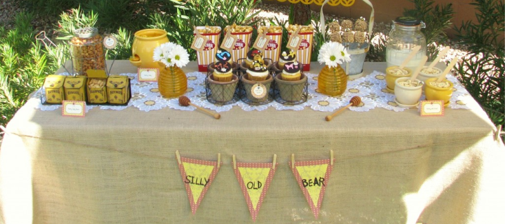 A Winnie the Pooh Party with Guest, Lynlee's Petite Cakes