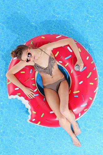 Float shaped as a donut