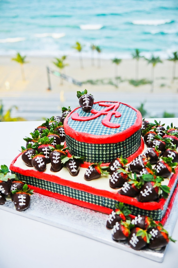 grooms cake with university of Alabama football theme