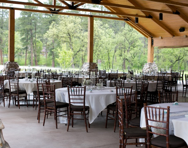 outdoor wedding seating for dinner