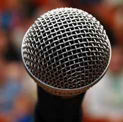 5 Tips for Hiring a Public Speaker