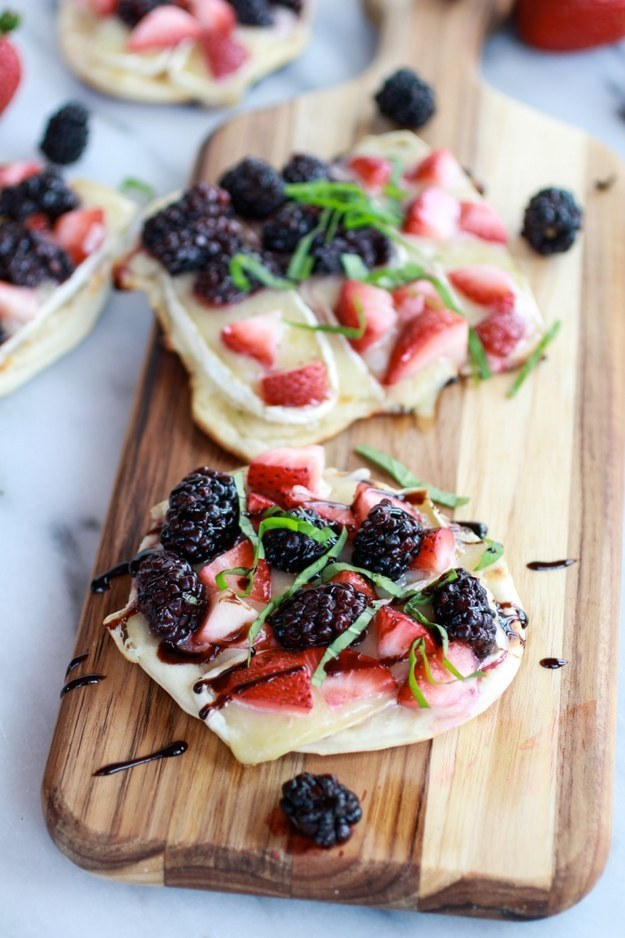 red white and blue food recipe, brie and berry pizza