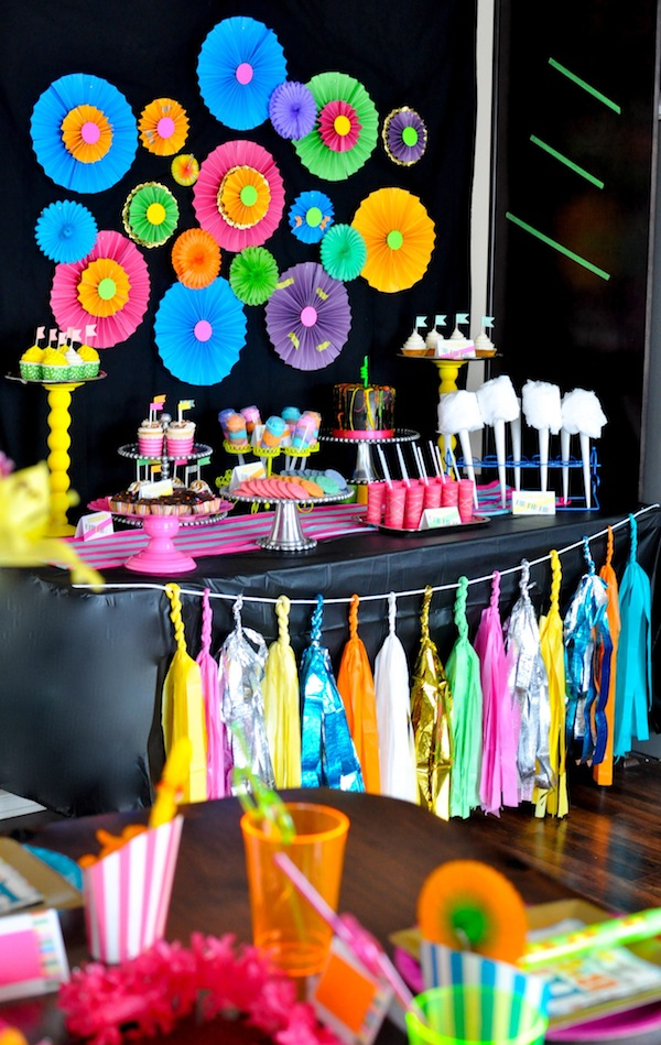 3 Living Colors Source Karas Party Ideas