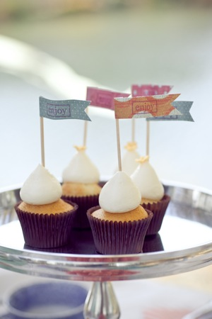 flagged cupcakes