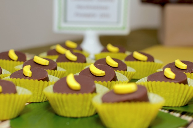 yellow chocolate cupcakes