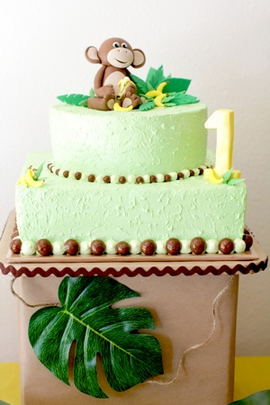 1st birthday green and yellow cake