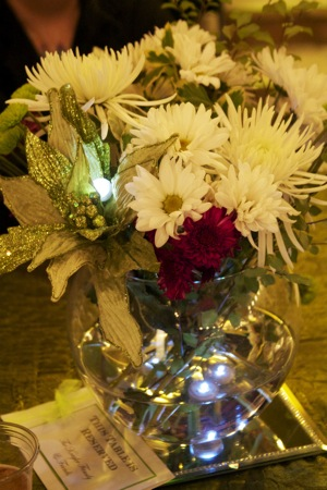 floral arrangement with white and red