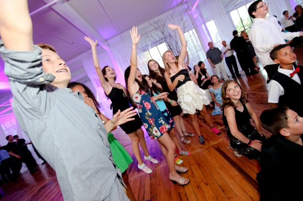 dancing kids at bat mitzvah party
