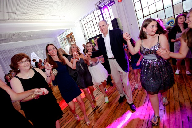 dancing family at bat mitzvah
