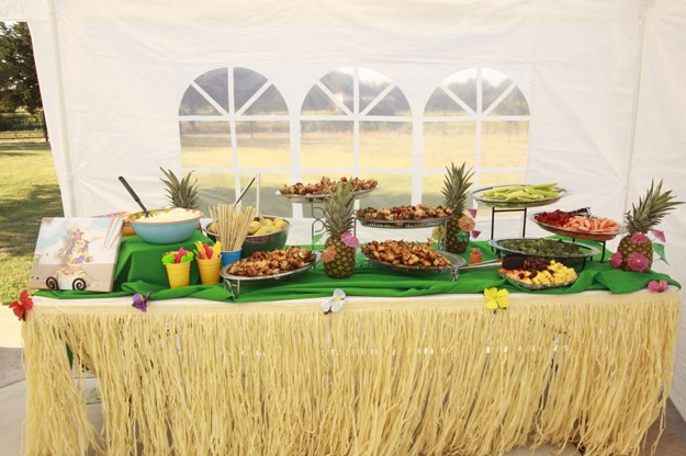lunch buffet with Hawaiian theme