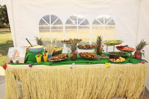 lunch buffet with Hawaiian theme