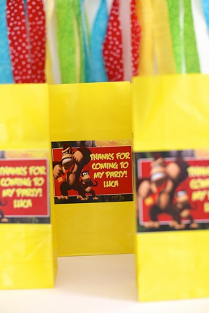 goodie bags with donkey kong theme