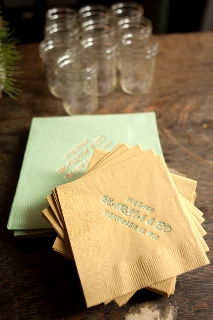 napkins in gold and green