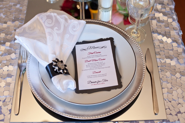 place setting romantic dinner