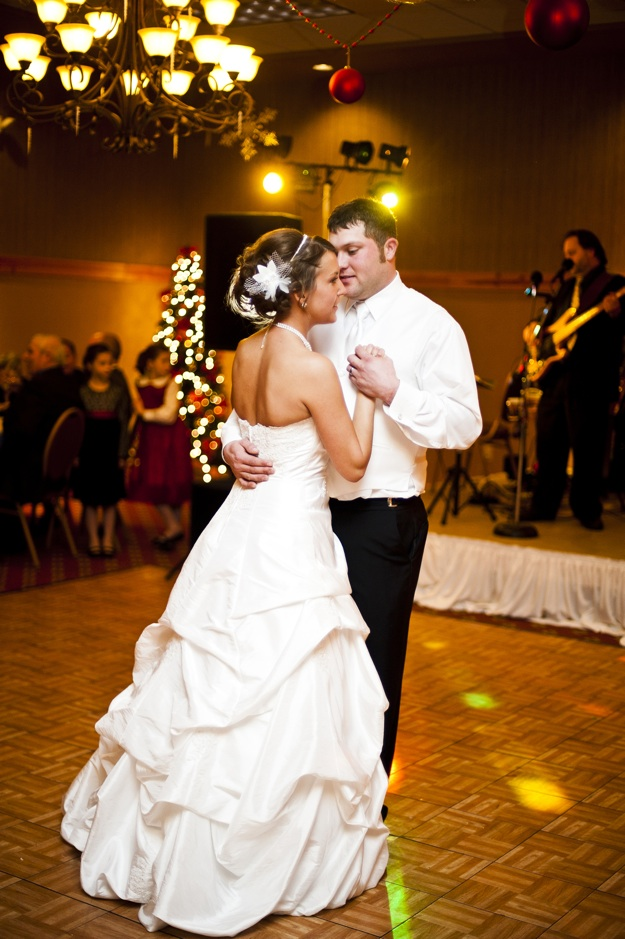 live band plays for bride and groom's first dance