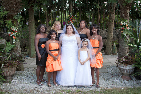 bride with large bridal party
