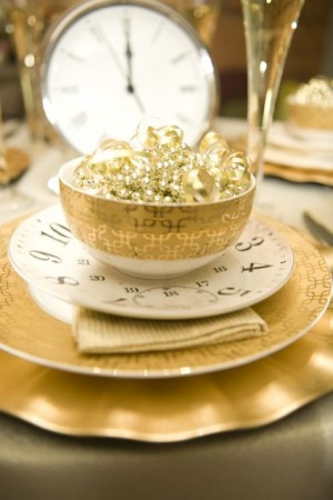 New Year's Eve table with gold