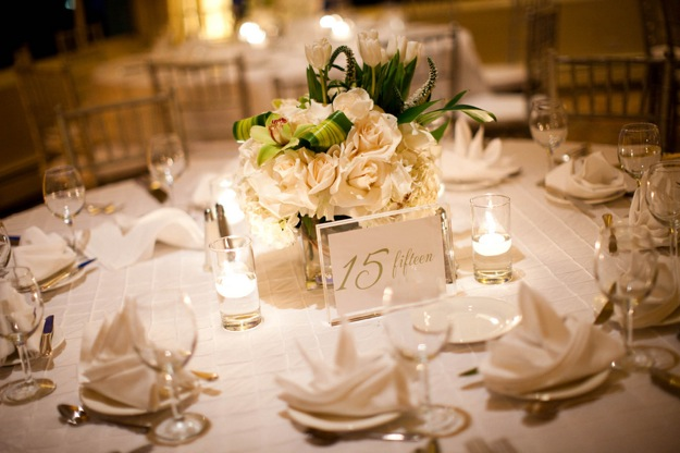 white tablescape for wedding