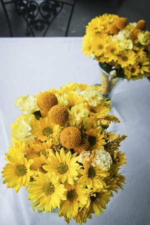 bridesmaids bouquets in yellow