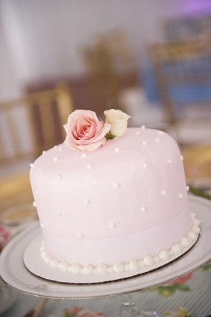 one layer pink wedding cake