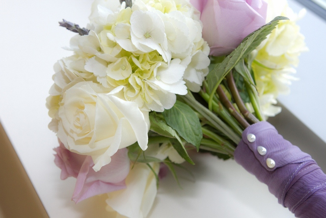 bridal bouquet in white and purple