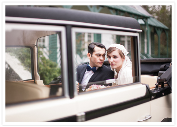 1920s car with bride and groom