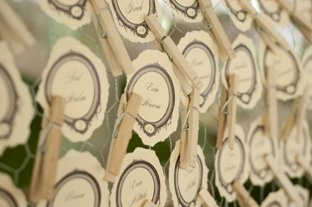 table place cards held with clothes pins