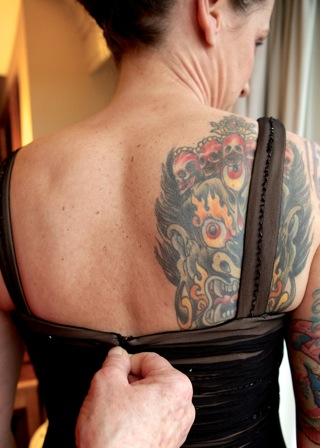 bride-black-dress-tattoos