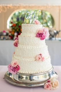 four tiers white cake