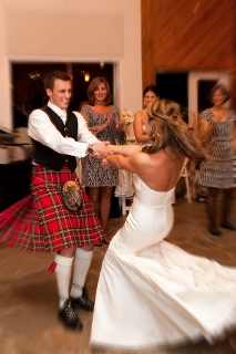 dancing at Scottish wedding