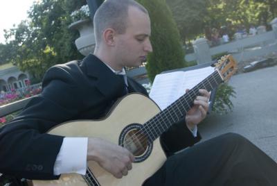 Guitarist Jim Perona